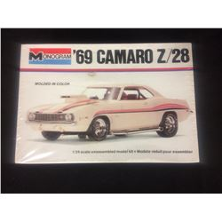 MONOGRAM '69 CAMARO Z/28 1/24 SCALE UNASSEMBLED MODEL KIT IN BOX