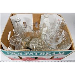 BOX 13) ASSORTED VASES INCL 6 OLD FASHION FROGS