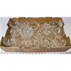 BOX 18) 17 GLASS/CRYSTAL NAPPIES WITH ASSORTED