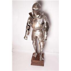 18AT-1 MAXIMILLIAN STYLE FLUTED ARMORVictorian era armourer's copy of Maximiilin  fluted armor proba