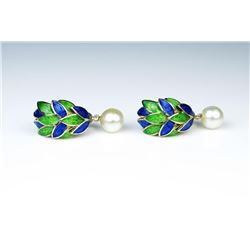 18CAI-24 ENAMEL & PEARL EARRINGSHigh quality vintage style blue and green  colored enamel and pearl