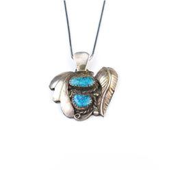 18CAI-70 TURQUOISE PENDANTNice Spider web Turquoise vintage southwest  Sterling silver pendant. Esti