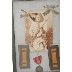 18AP-70 DISPLAYRiker case containing display of U.S. Cavalry  Captain's shoulder bars, 2 insignia  (
