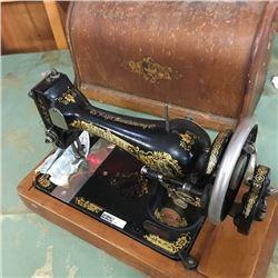 LOT22: Singer Sewing Machine
