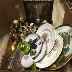 LOT98: Tray Lot: Glassware/Collectibles