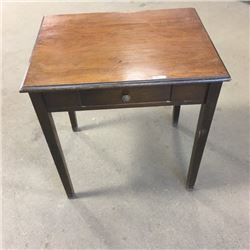 LOT225: Table/Desk with One Drawer