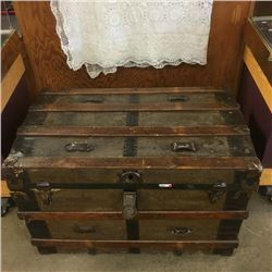 LOT248: Lovely Slatted Wood Trunk & Table Cloth
