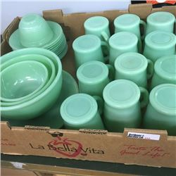 LOT333: Tray Lot: Jadeite Collection
