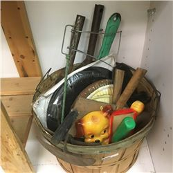 LOT335: Basket : Rural Vintage Items