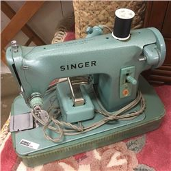 LOT420: Electric Singer Sewing Machine