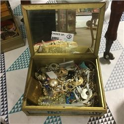 LOT428: Jewellery Boxes w/Contents !! (CHOICE of 3)