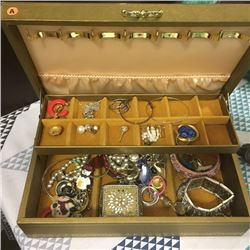 LOT428A: Jewellery Boxes w/Contents !! (CHOICE of 3)