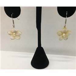 Yellow Shell .925 Sterling Silver Earring 1.50g