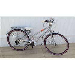 Huffy Norwood 700C Women's Silver Pink Cruiser Bike w/ Carrier