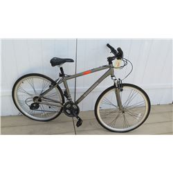 Schwinn 700c Trailway Men's Gray Tourney Hybrid Max Bike