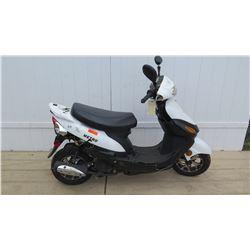 Metro Black White Moped 830 Miles