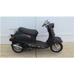 Black Moped 463 Miles w/ Carrier