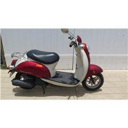 2007 Honda Metropolitan Burgundy White Moped 6375 Miles w/ Carrier