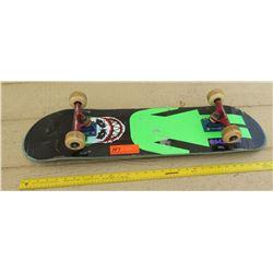 Mikemo Skateboard w/Thunder Trucks