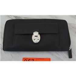 Tumi Zippered Wallet / Purse, Black