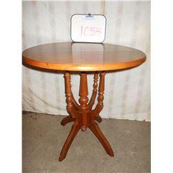 ROUND WALNUT ANTIQUE TABLE