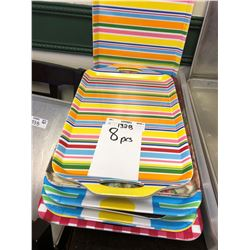Assorted Colored Plastic Trays (Lot)