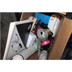 BOX OF TOOLS AND FIRE BARRIERE SILICONE AND HAND SANITIZER