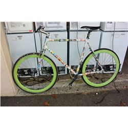 WHITE SINGLE SPEED ROAD BIKE