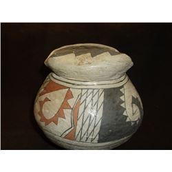 """Casa Grandes Pot- C. 1900- 6.5""""H X 6""""W"""