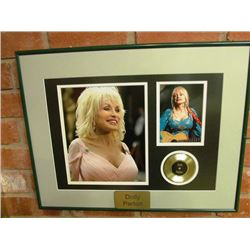 5 FRAMED PICTURES - COUNTRY GREATS - DOLLY PARTON, GARTH BROOKS, JOHNNY CASH/WILLIE NELSON/WAYLON JE