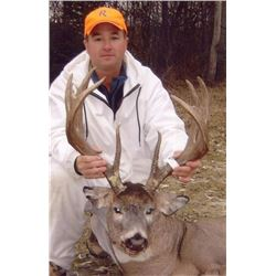 5-1/2 Day Trophy Saskatewan Whitetail hunt for 1