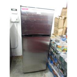 Apartment Size Frigidaire Refrigerator