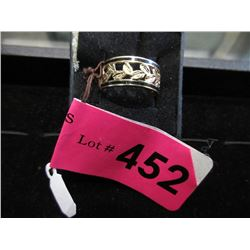 14 KT Gold Band Ring - Size 7