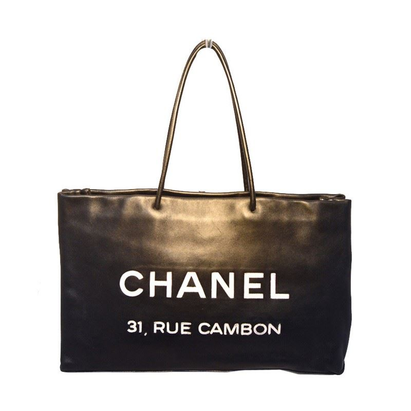 a5bb545a1fc8 Image 1 : Chanel Black Leather Rue Cambon Shopping Bag Tote