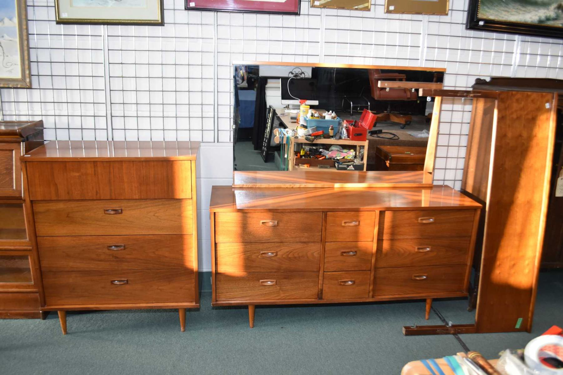 . Mid century modern mahogany bedroom suite including four drawer