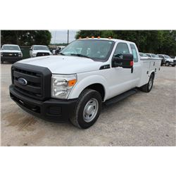 2015 FORD F350 SERVICE TRUCK; VIN/SN:1FD8X3E60FEA64298 - EXT. CAB, V8 GAS, A/T, AC, SERVICE BODY, HO