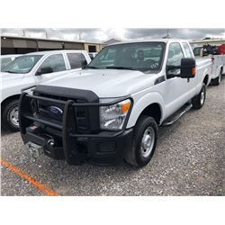 2015 FORD F250 PICKUP TRUCK; VIN/SN:1FT7X2B60FEB07195 - 4X4, V8 GAS, A/T, AC, BED COVER, BED SLIDE,