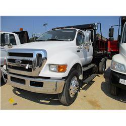 2005 FORD F750 XL DUMP, VIN/SN:3FRXX75T95V108138 - S./A, EXT CAB, C7 CAT DIESEL ENGINE, 7 SPEED TRAN