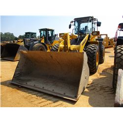 2013 KOMATSU WA320-6 WHEEL LOADER, VIN/SN:71361 - QUICK COUPLER, GP BUCKET, FORKS, RIDE CONTROL, ECA
