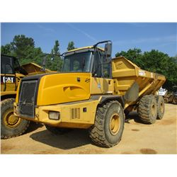 2006 JOHN DEERE 300D ARTICULATED DUMP, VIN/SN:201763 - ECAB W/AC, 23.5R25 TIRES, METER READING 6,534