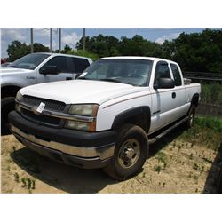 2004 CHEVROLET 2500 HD PICK UP, VIN/SN:1GCHK29U74E355996 - 4X4, EXTENDED CAB, GAS ENGINE, A/T, ODOME