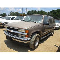 1996 CHEVROLET TAHOE SUV, VIN/SN:1GNEK13R8TJ415234 - V8 GAS ENGINE, A/T