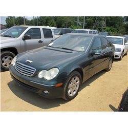 2005 MERCEDES C240 SEDAN, VIN/SN:WDBRF81J55F687975 - GAS ENGINE, A/T, ODOMETER READING 132,000 MILES