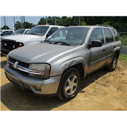 2002 CHEVROLET TRAILBLAZER, VIN/SN:1GNDS13S322169362 - GAS ENGINE, A/T, ODOMETER READING 215,570 MIL