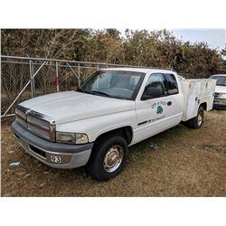 2001 DODGE RAM 2500 SERVICE TRUCK, VIN/SN:1B7KC23Z5J589340 - EXT CAB, V8 GAS ENGINE, A/T, RAWSON KOE