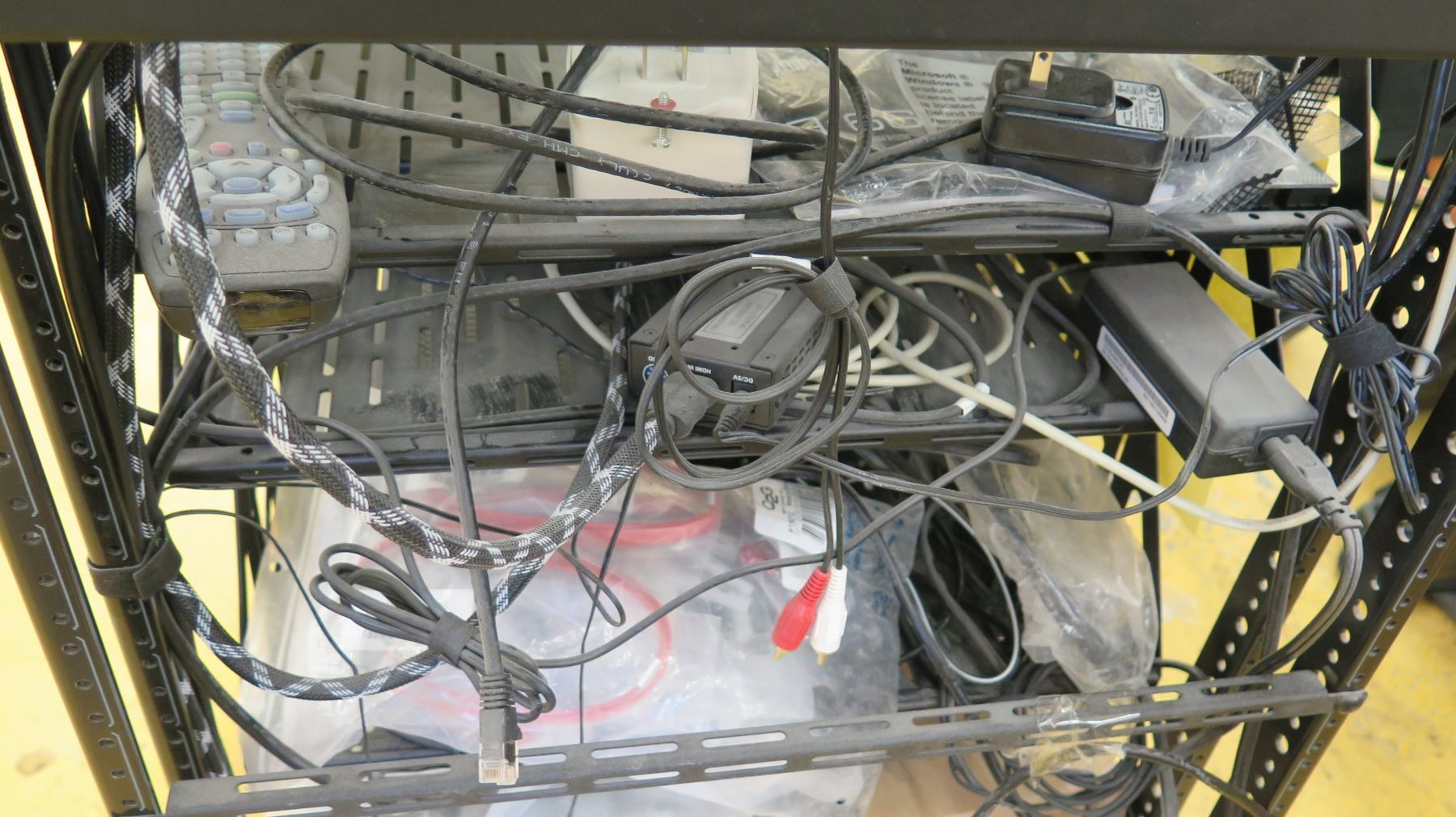 Rack W Audio Components Control4 Wyrestorm Etc Oahu Auctions Wiring Image 9