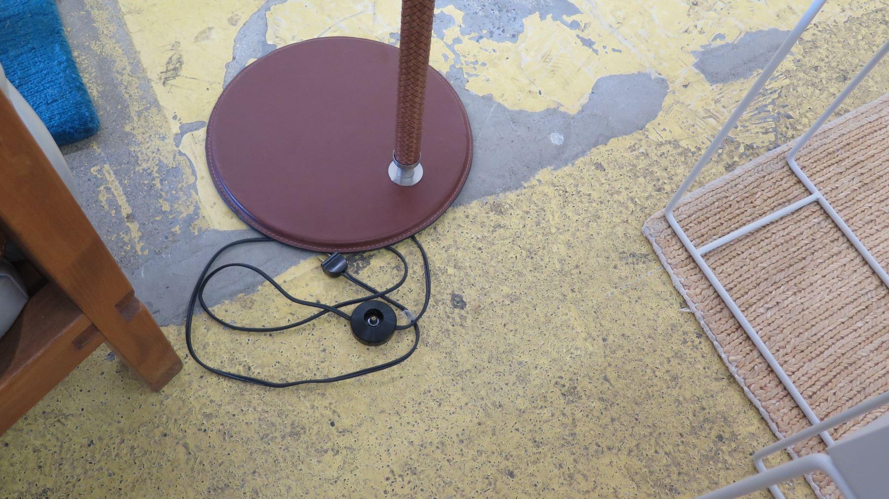 image 2 : natuzzi lavina floor lamp - woven leather pole, polished  nickel (no