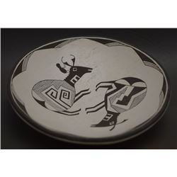 ACOMA POTTERY PLATE (LEWIS)