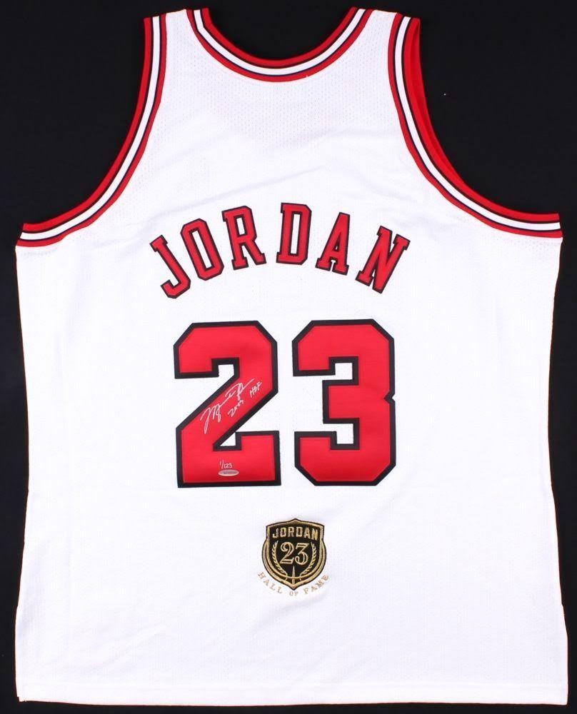 hot sale online 00d2b 63d46 Michael Jordan Signed Limited Edition Authentic Bulls Jersey ...