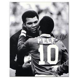 Pele & Ali Hug